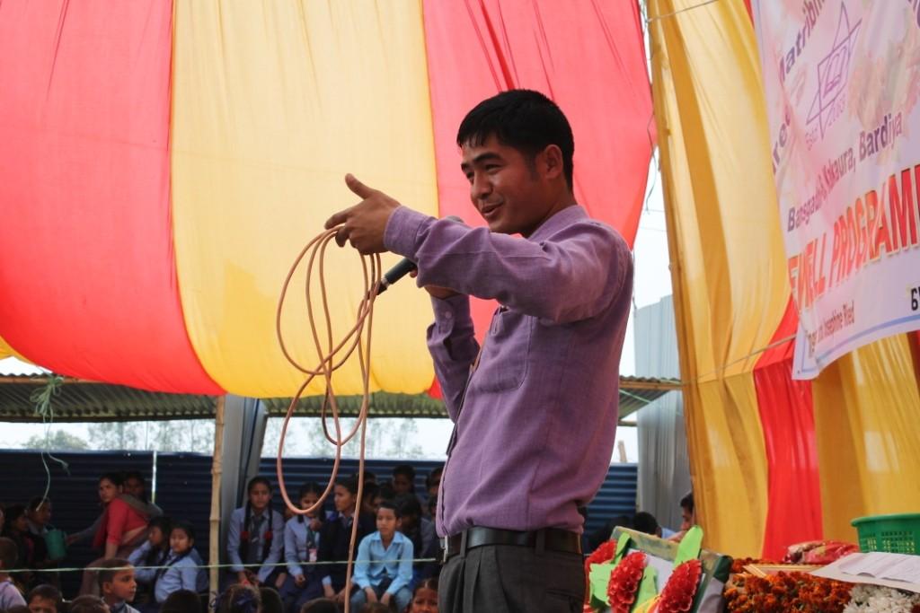 Der Rektor bei seiner Rede.